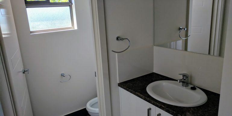 Toilet+Vanity